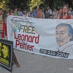 """9 de Octubre, 2011 Manhattan, Ciudad de Nueva York - 4to evento anual en recuerdo de nuestros pueblos Indigenas. """"Free Leonard peltier (Libertad para Leonard Peltier). Foto por Javier Soriano/www.JavierSoriano.com"""