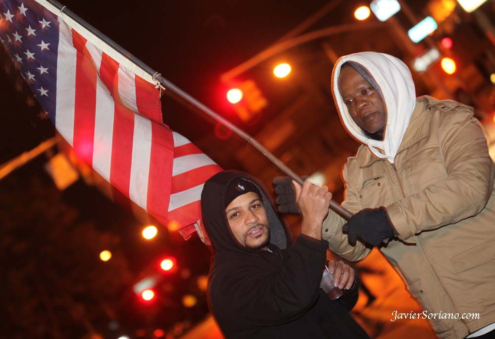 Celebrando la reelección del Presidente Obama.  Foto por Javier Soriano/www.JavierSoriano.com