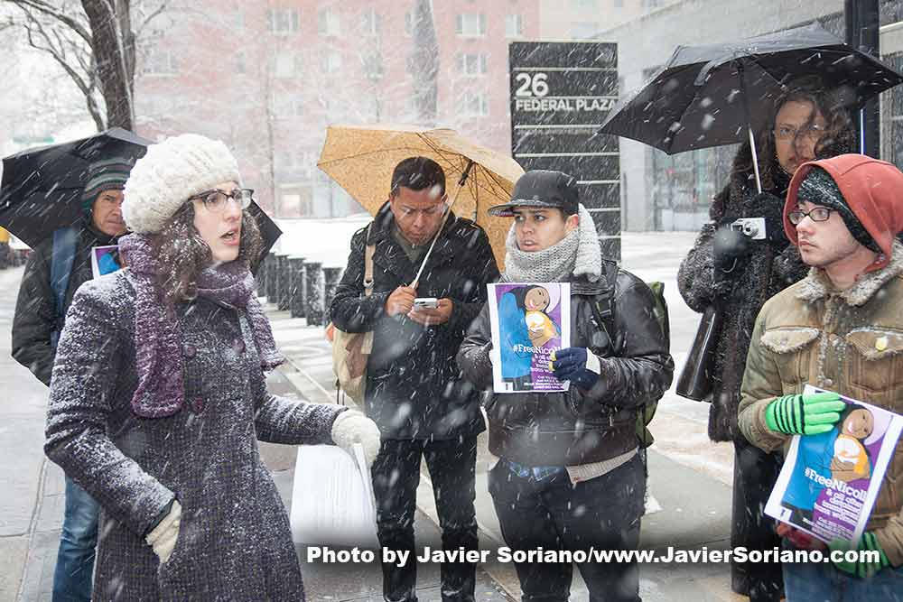 Jueves, 5 de Marzo, 2015 Ciudad de Nueva york – Hoy, Un grupo de manifestantes se reunieron esta mañana frente al edificio de inmigración en la ciudad de Nueva York para demandar a ICE la liberación de Nicoll Hernández-Polanco, una mujer Trans de Guatemala. La nieve no impidió que las personas asistieran a la manifestación. Thursday, March 5th, 2015. New York City – Today, a group of demonstrators gathered this morning in front of the immigration building in NYC to demand to ICE the release of Nicoll Hernández-Polanco, a Trans woman from Guatemala. The snow did not stop people from attending the rally.