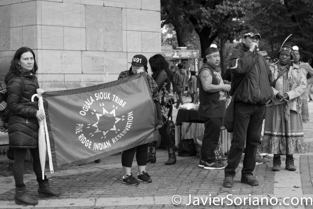 El Día de la Memoria Anual indígena es un evento anual indígena en el que se recuerda y rinde homenaje a los antepasados indígenas que sufrieron o fueron asesinados por los invasores en 1492 y hasta la actualidad siguen siendo oprimidos. Photo by Javier Soriano/http://www.JavierSoriano.com/