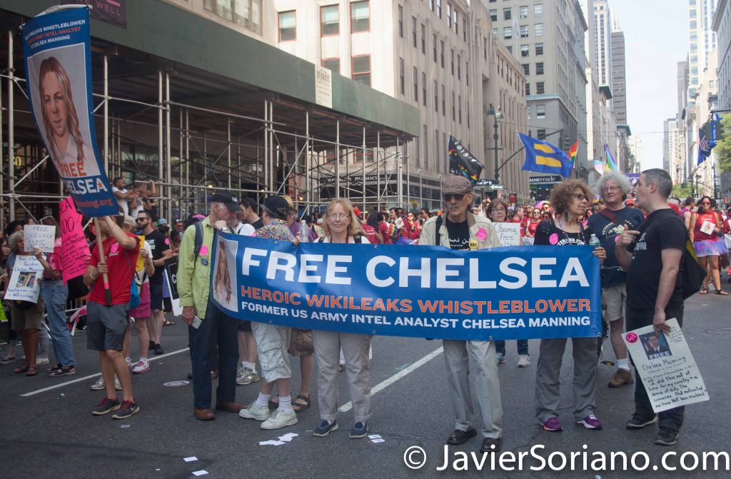 "6/26/2016 LGBTQ PRIDE March. NYC. ""Free Chelsea (Manning)."" Photo by Javier Soriano/www.JavierSoriano.com"