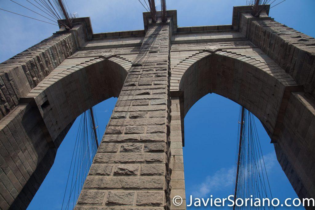 The Brooklyn Bridge opened to the public on May 24, 1883. It celebrated its 134th birthday in 2017. It is one of New York City's top tourist attractions. It took 14 years and around $15 million to complete.   El Puente de Brooklyn se abrió al público el 24 de mayo de 1883. Celebró su 134 aniversario en el 2017. Es una de las principales atracciones turísticas de la ciudad de Nueva York. Tomó 14 años y alrededor de $15 millones para completarse.  Photo by Javier Soriano/www.JavierSoriano.com