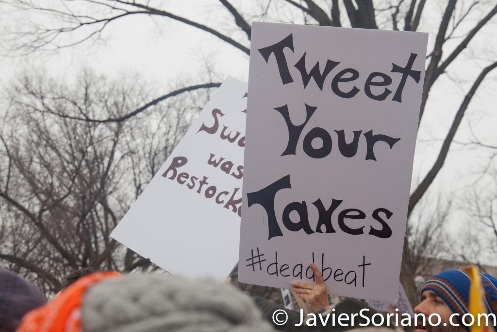 "1/21/2017 - Women's March on Washington D.C.  ""Tweet your taxes."" Photo by Javier Soriano/www.JavierSoriano.com"