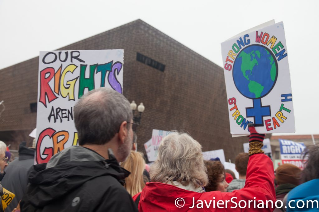 "1/21/2017 - Women's March on Washington D.C.  ""Strong women. Strong earth.""  Photo by Javier Soriano/www.JavierSoriano.com"