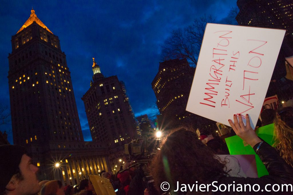 1/29/2017 Foley Square Park, NYC - People's protectors in support of Muslims, refugees, immigrants. Photo by Javier Soriano/www.JavierSoriano.com