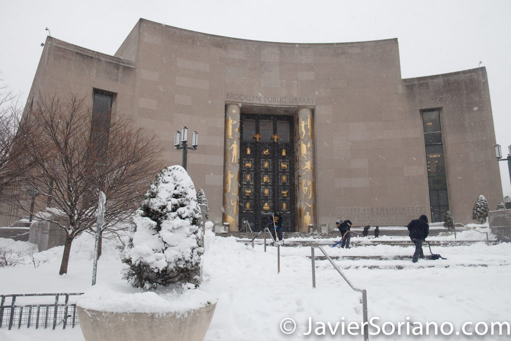 Afternoon. 2/9/2017 NYC - Winter storm Niko in Brooklyn. Brooklyn Public Library. Photo by Javier Soriano/www.JavierSoriano.com