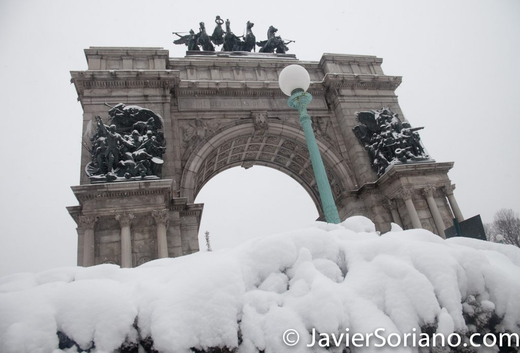 Afternoon. 2/9/2017 NYC - Winter storm Niko in Brooklyn. Grand Army Plaza. Photo by Javier Soriano/www.JavierSoriano.com