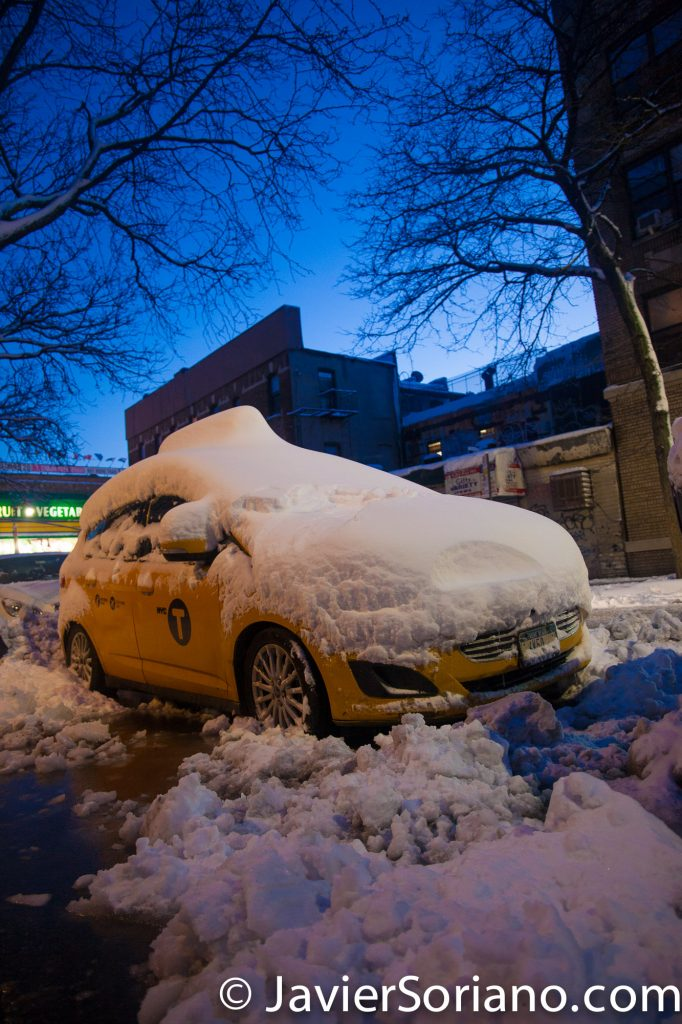 Night. 2/9/2017 NYC - Winter storm Niko in Brooklyn. Photo by Javier Soriano/www.JavierSoriano.com