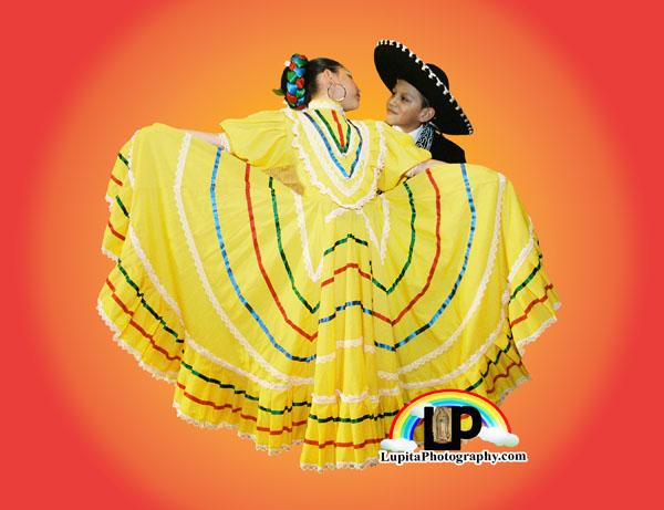 """""""XV Festival Folklórico Mexicano"""" 290 East 196 Street. Ciudad de Nueva York. Domingo, 26 de Marzo, 2017. 1:00PM. Tren D a la estación de Kingsbridge RD/196 Street. Bronx."""