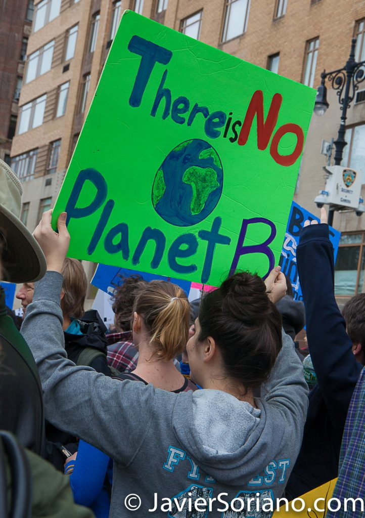 "4/22/2017 NYC - March for science. ""There is not planet B"" Photo by Javier Soriano/www.JavierSoriano.com"