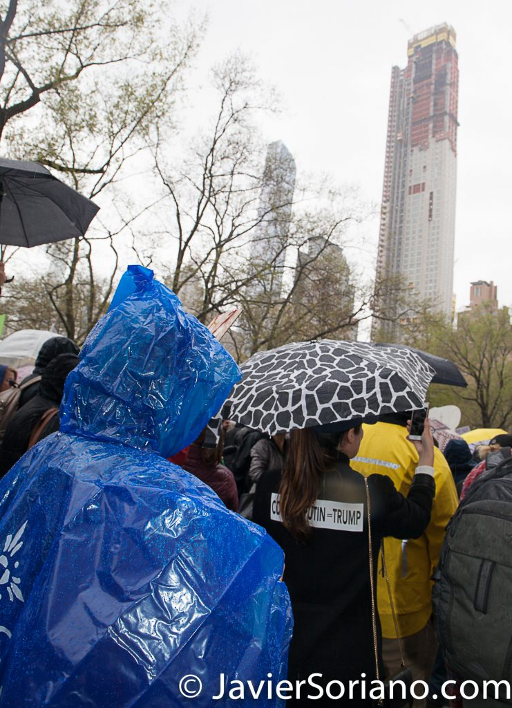 4/22/2017 NYC - March for science. Today was Earth Day. It was raining. Water is life! Photo by Javier Soriano/www.JavierSoriano.com