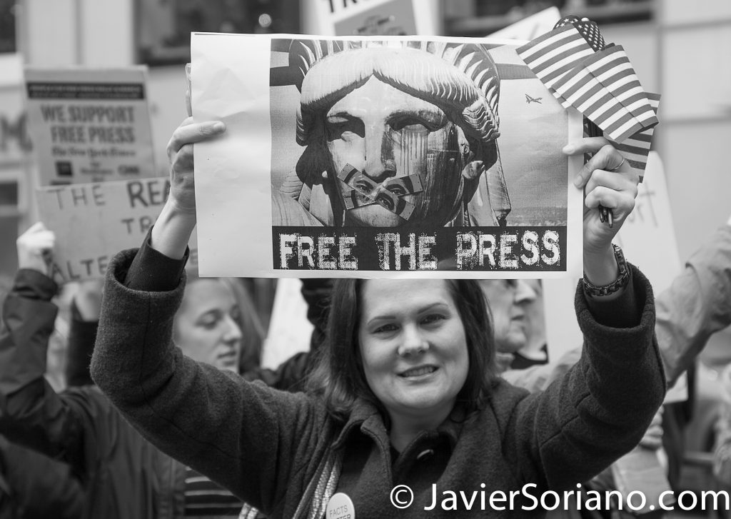 "3/25/2017 NYC - People for Free Press. Activist at Bryant Park. ""Free the press"" Photo by Javier Soriano/www.JavierSoriano.com"