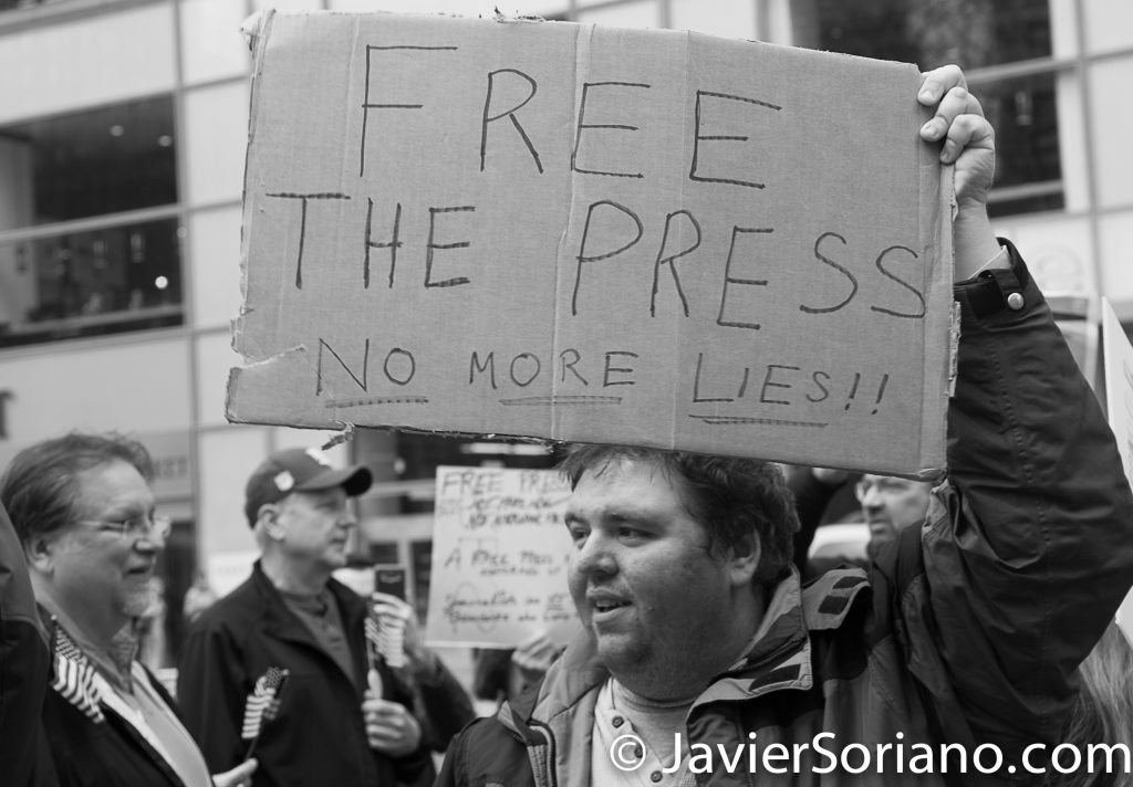 "3/25/2017 NYC - People for Free Press. Activist at Bryant Park. ""Free the press. No more lies!!!"" Photo by Javier Soriano/www.JavierSoriano.com"