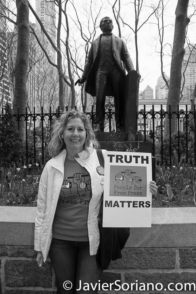 "3/25/2017 NYC - People for Free Press. Activist in front of former Mexican President Benito Juárez's statue at Bryant Park. ""Truth matters. People for free press."" Photo by Javier Soriano/www.JavierSoriano.com"