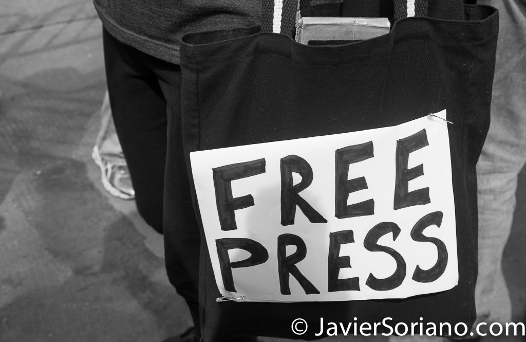 "3/25/2017 NYC - People for Free Press. Activist at Bryant Park. ""Free press."" Photo by Javier Soriano/www.JavierSoriano.com"
