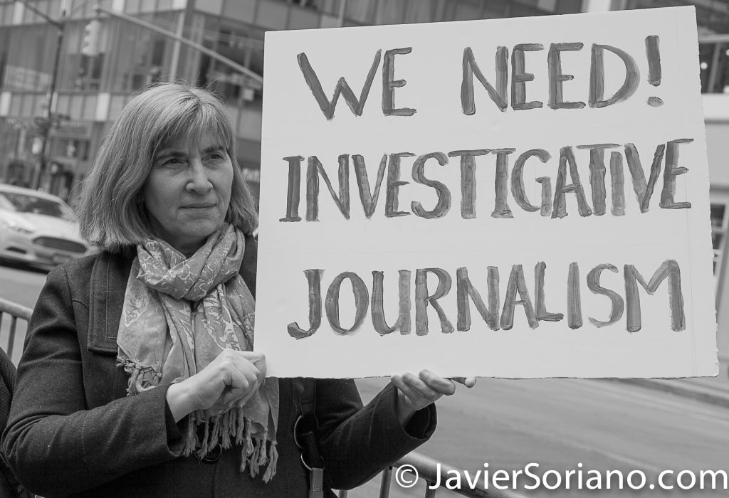 "3/25/2017 NYC - People for Free Press. Activist at Bryant Park. ""We need investigative journalism."" Photo by Javier Soriano/www.JavierSoriano.com"