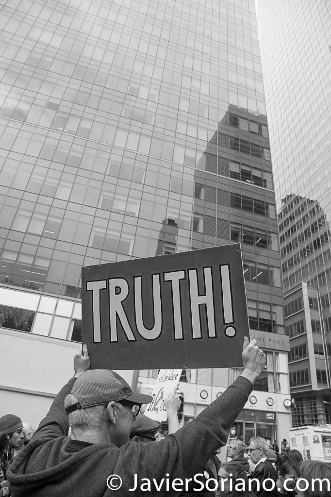 "3/25/2017 NYC - People for Free Press. Activist at Bryant Park. ""Truth!"" Photo by Javier Soriano/www.JavierSoriano.com"