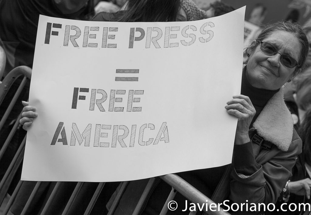 "3/25/2017 NYC - People for Free Press. Activist at Bryant Park. ""Free press = Free America."" Photo by Javier Soriano/www.JavierSoriano.com"
