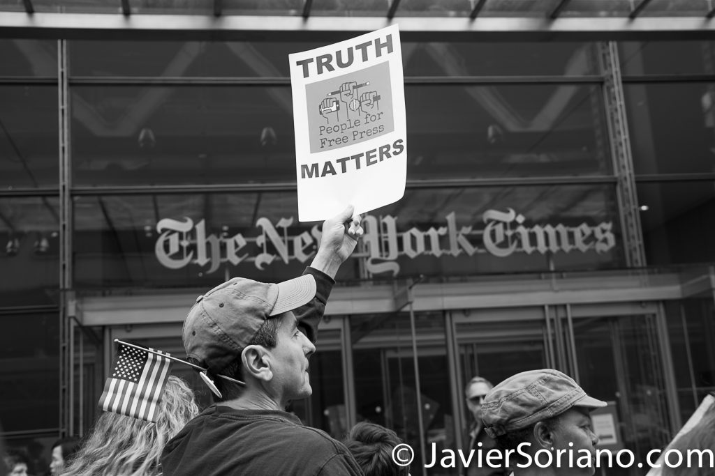 "3/25/2017 NYC - People for Free Press. Activists in front of the New York Times building. ""Truth matters."" Photo by Javier Soriano/www.JavierSoriano.com"