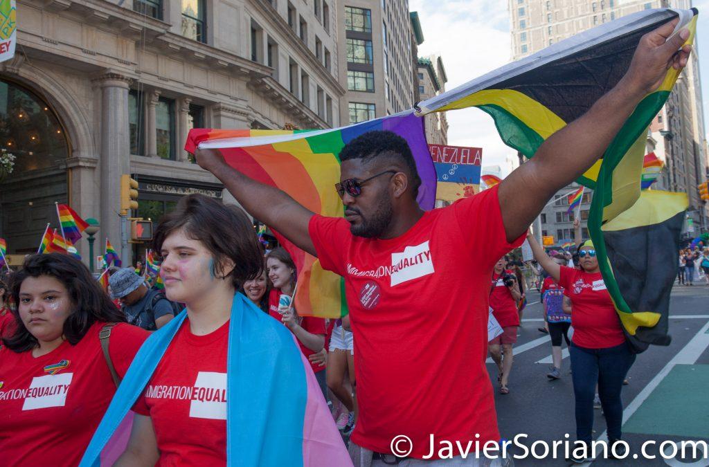 25/6/2017 Manhattan, Nueva York - Marcha del Orgullo LGBTQ 2017. Un hombre representando a Jamaica. Foto por Javier Soriano/www.JavierSoriano.com