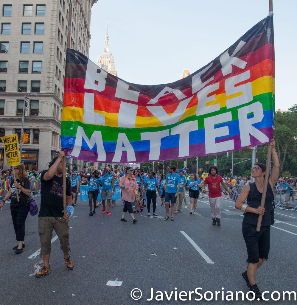 "25/6/2017 Manhattan, Nueva York - Marcha del Orgullo LGBTQ 2017. ""Black Lives Matter."" (La vida de las personas de la raza negra importa.) Foto por Javier Soriano/www.JavierSoriano.com"