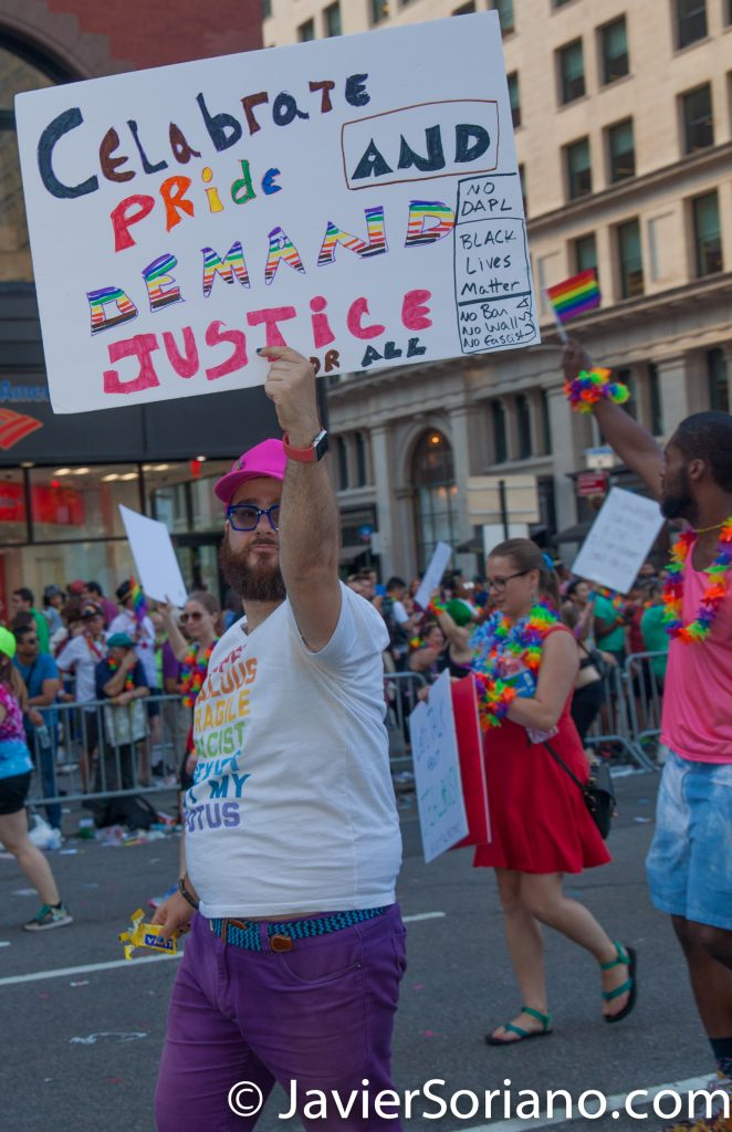 "25/6/2017 Manhattan, Nueva York - Marcha del Orgullo LGBTQ 2017. ""Celebrate PRIDE and demand justice for all."" (""Celebra el ORGULLO y exije justicia para todos"".) Foto por Javier Soriano/www.JavierSoriano.com"