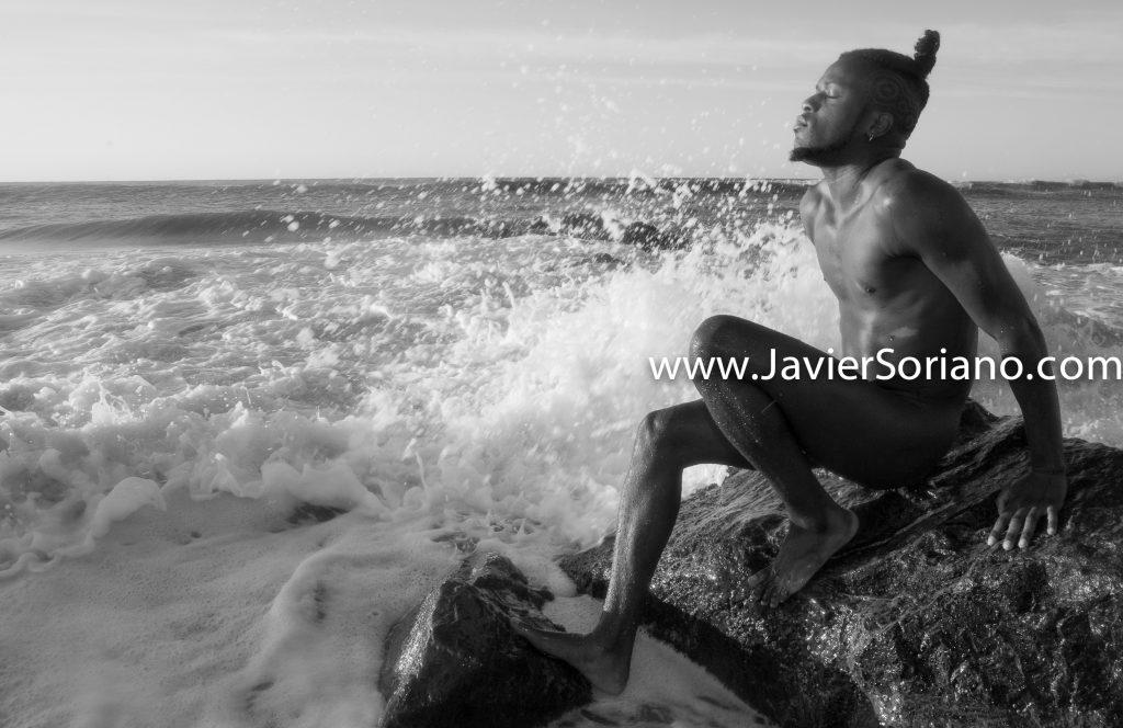 9/8/2017. New York City - Thanks to this model for the opportunity to create with him this beautiful photograph. I had so much fun! <br /> Ciuda de Nueva York - Gracias a este modelo por la oportunidad de crear con el esta hermosa fotografía. ¡Me divertí mucho! <br /> Photo by Javier Soriano/www.JavierSoriano.com