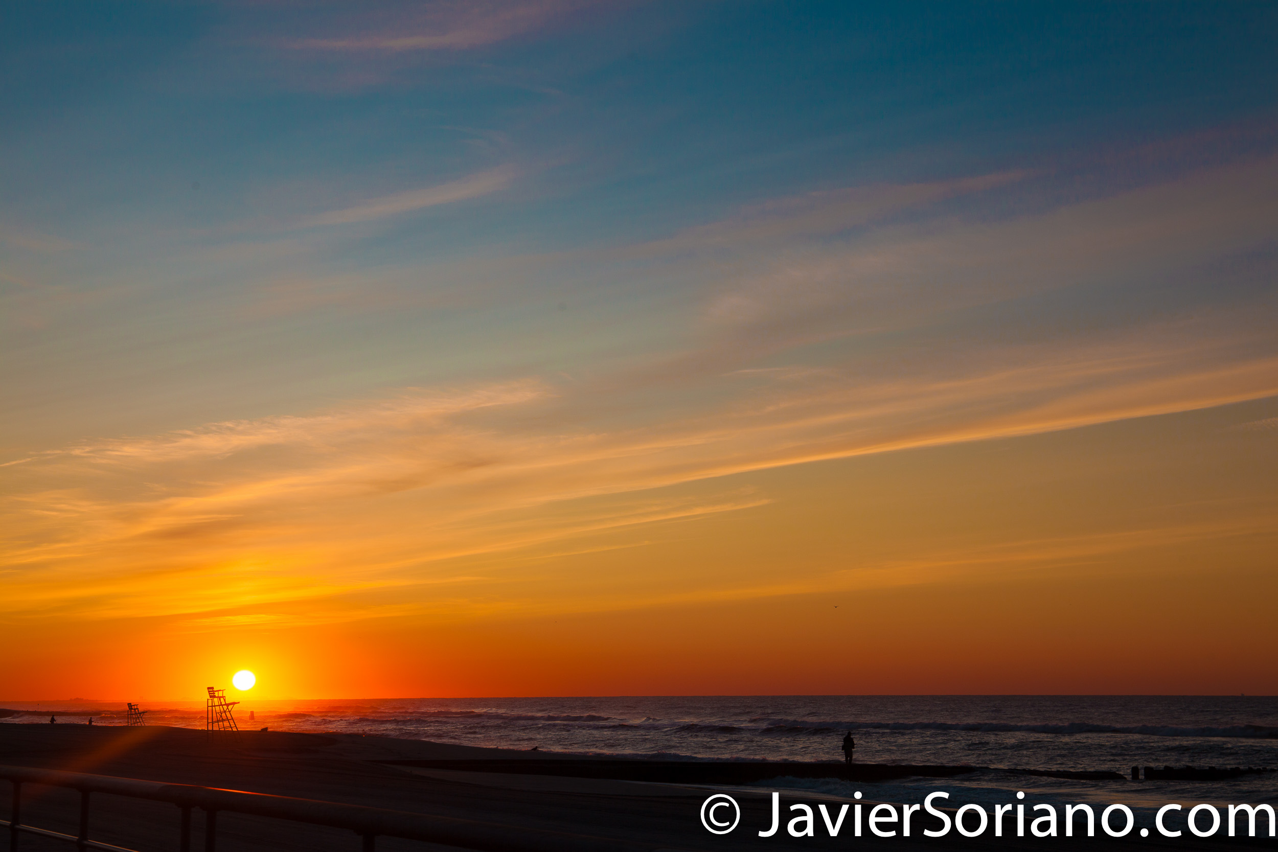9/8/2017 - Sunrise. Atlantic Ocean. New York City. Amanecer. Océano Atlántico. Ciudad de Nueva York. Photo by Javier Soriano/www.JavierSoriano.com