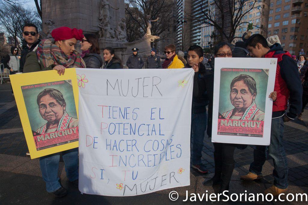"""1/20/2018. Manhattan, NYC - Women's March. """"MUJER: Tienes el potencial de hacer cosas increíbles. Si, tu mujer.""""  Photo by Javier Soriano/www.JavierSoriano.com"""