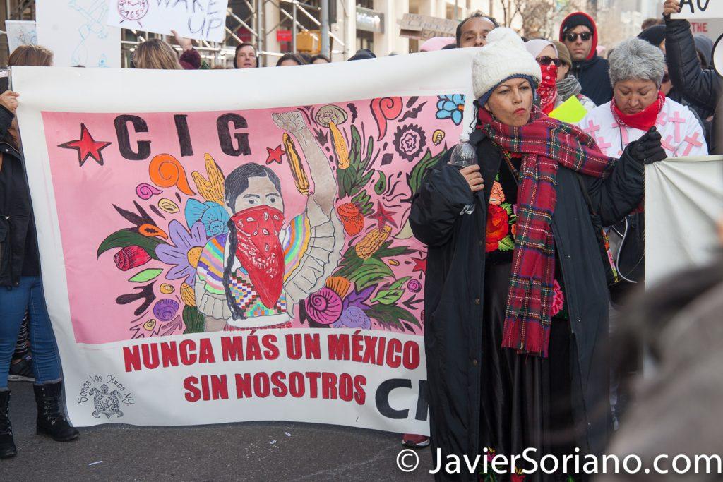 1/20/2018. Manhattan, NYC - Women's March. Lucila Bettina Cruz Velasquez. Delegada del CNI (Congreso Nacional Indígena) y otras mujeres y hombres Indígenas.  Photo by Javier Soriano/www.JavierSoriano.com