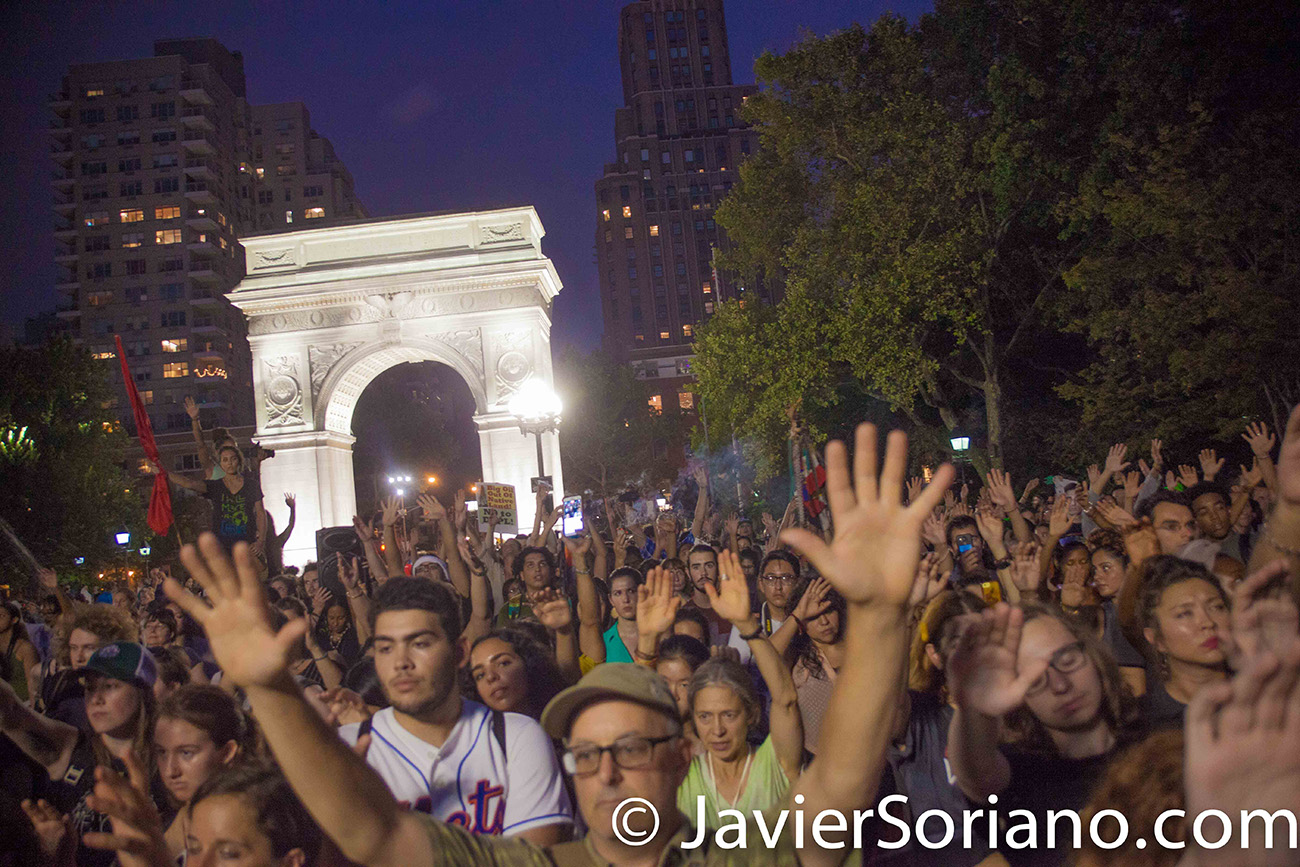 9/9/2016 Washington Square Park, NYC - Rally in support of Standing Rock. Water protectors praying.  Photo by Javier Soriano/http://www.JavierSoriano.com/