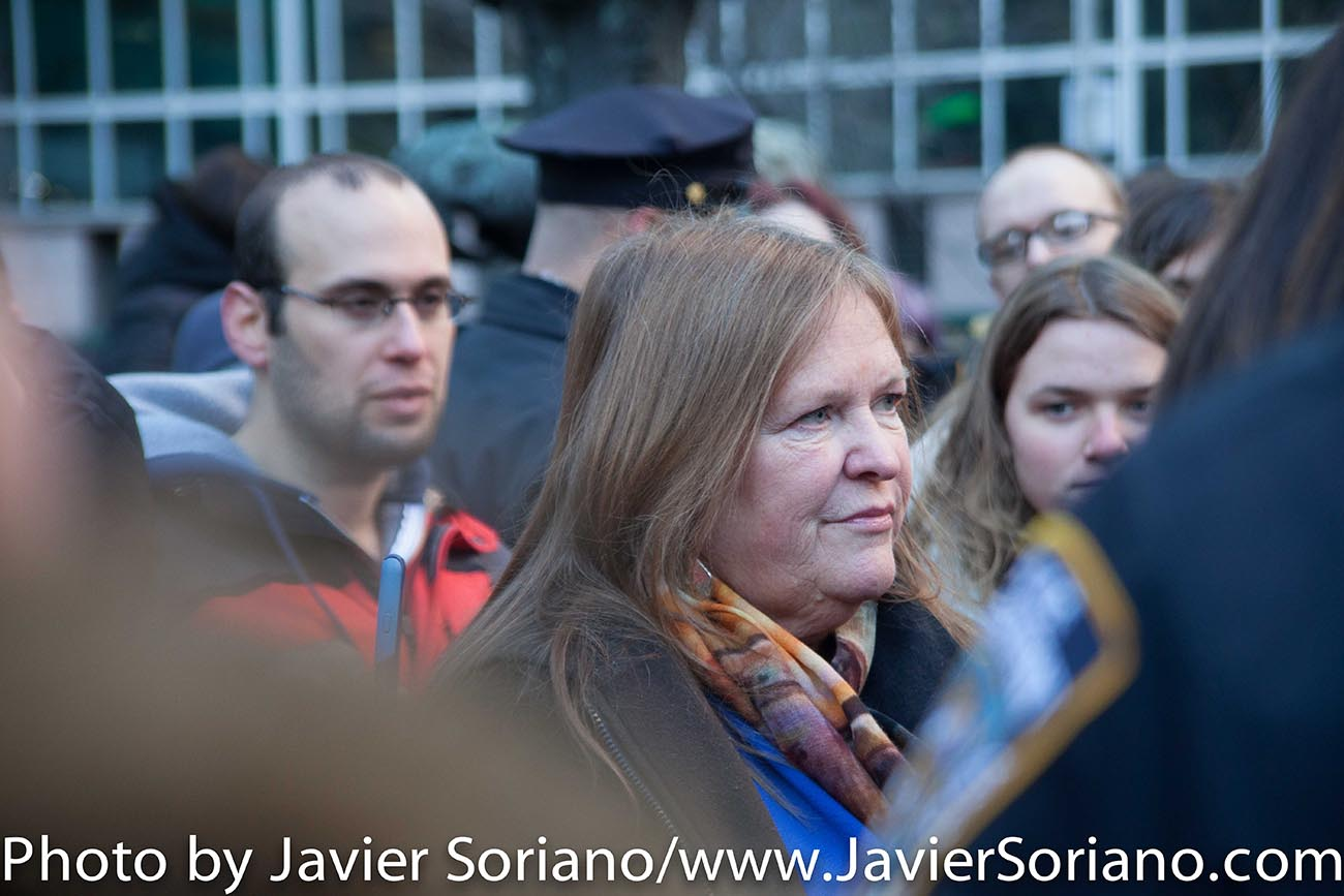 1/5/2016 Manhattan, NYC – Jane O'Meara Sanders, wife of Bernie Sanders and supporters of Senator Bernie Sanders. Photo by Javier Soriano/http://www.JavierSoriano.com/