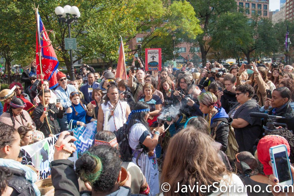11/5/2016 Manhattan - NYC Prayer March in support of the Standing Rock Sioux Nation. Water is Life! Photo by Javier Soriano/http://www.JavierSoriano.com/
