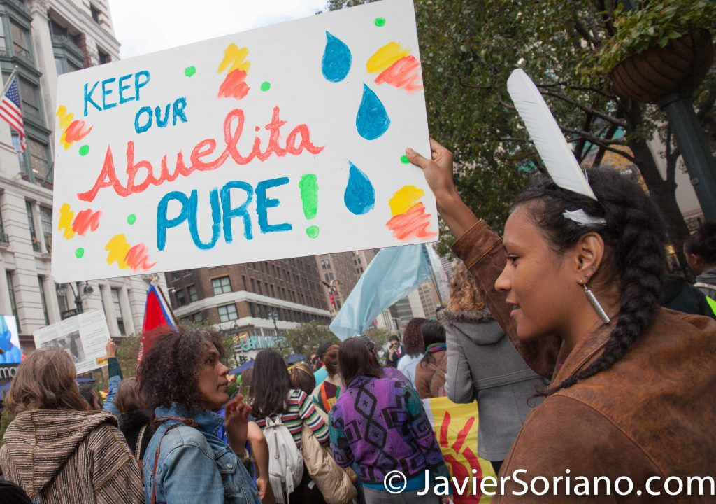 11/5/2016 Manhattan - NYC Prayer March in support of the Standing Rock Sioux Nation. #NoDAPL #WaterIsLife Photo by Javier Soriano/http://www.JavierSoriano.com/