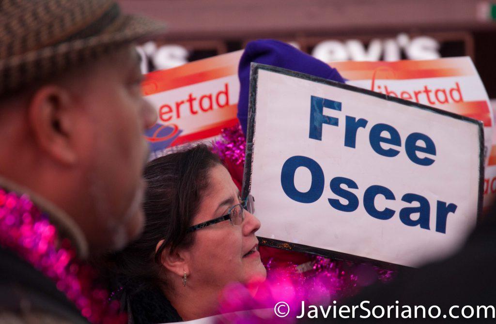 12/25/2016 Times Square, NYC – Parranda to FREE Oscar López Rivera. More info about Oscar López: www.javiersoriano.com/2016/12/25/free-oscar-lopez-rivera Photo by Javier Soriano/www.JavierSoriano.com