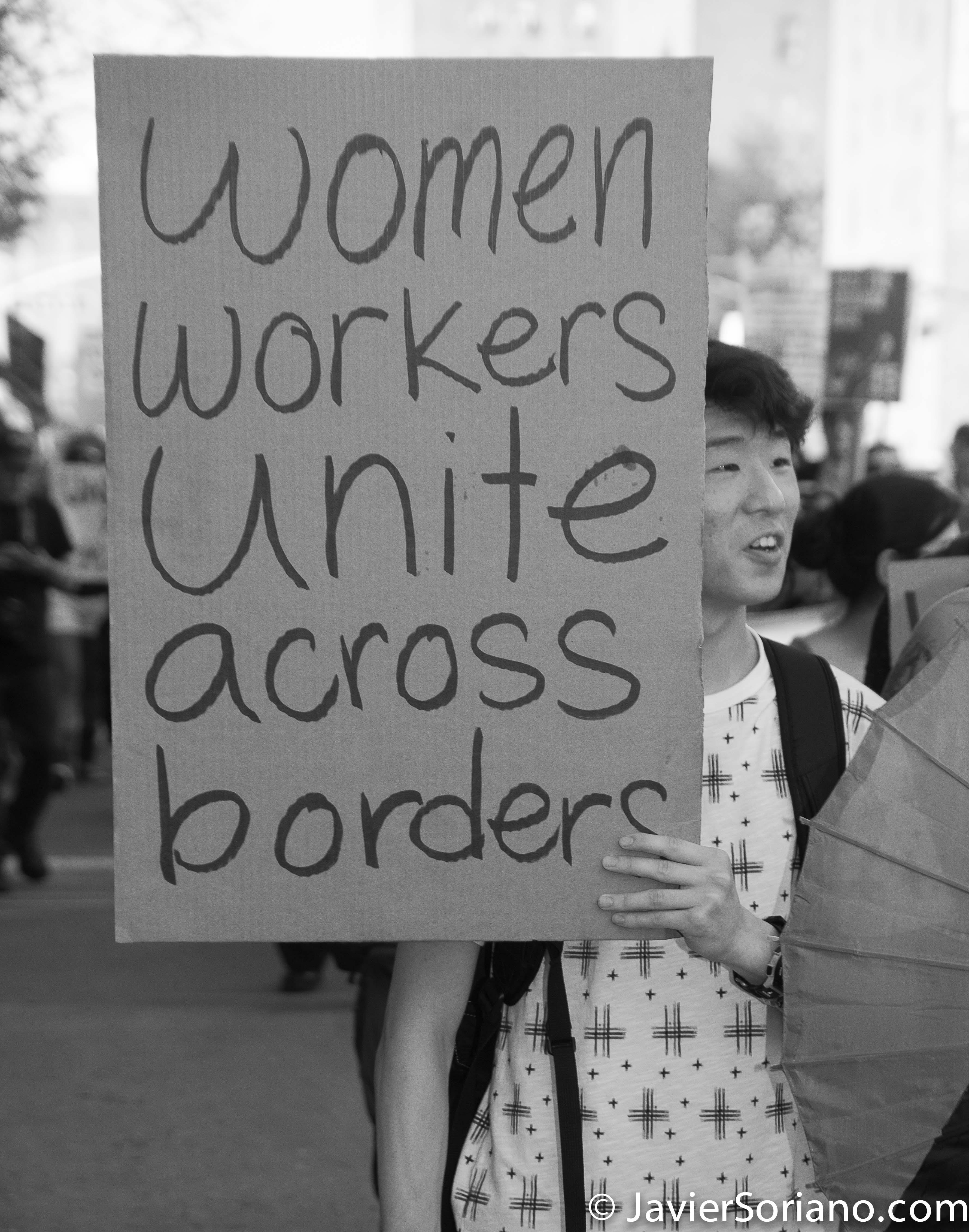 """Thursday, May 1, 2014. New York City – International Workers' Day or May Day. """"Women workers unite across borders"""" Jueves 1 de mayo de 2014. Ciudad de Nueva York: Día Internacional de los Trabajadores o May Day. Photo by Javier Soriano/JavierSoriano.com"""