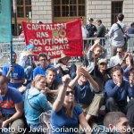 9/22/2014. NYC - Protesters on Broadway a few blocks from the U.S. Stock Exchange (Manifestantes en Broadway a pocas cuadras de la Bolsa de Valores de Estados Unidos).