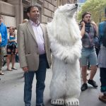 9/22/2014. NYC - The polar bear before he was arrested by the NYPD (El oso polar antes de ser arrestado por la policía de Nueva York).