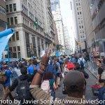 9/22/2014. NYC - Protesters walking (on Broadway) to the U.S. Stock Exchange (manifestantes caminando (en Broadway) a la Bolsa de Valores de Estados Unidos).