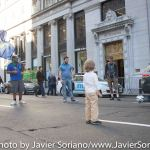 9/22/2014. NYC - Protesters having fun on Broadway and Wall St. (Los manifestantes divirtiendose en Broadway y Wall St.).
