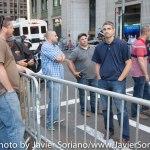 9/22/2014. NYC - Men working for the NYPD? (¿Hombres trabajando para la policía de Nueva York?).