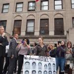 5/Noviembre/2014 - Manifestantes frente al Consulado General de México en Nueva York en solidaridad con los 43 estudiantes de Ayotzinapa, Guerrero, México.