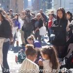 """El Domingo, 11 de Octubre, 2015, un grupo de Indígenas de diferentes pueblos nativos del continente se reunieron en la calle 59 y esquina con el Parque Central en Manhattan, Nueva York, para celebrar el Octavo Día Anual de recordatorio de los indígenas. Los organizadores del evento, dijeron en Facebook """"Recordamos los sacrificios que los pueblos indígenas sufrieron en 1492 y después bajo la tiranía de Cristóbal Colón y los que le siguieron hasta la actualidad. Nunca olvidaremos sus sacrificios y sufrimiento. Recordamos a través de cuentos, música, y ceremonia."""" Photo by Javier Soriano/http://www.JavierSoriano.com/"""