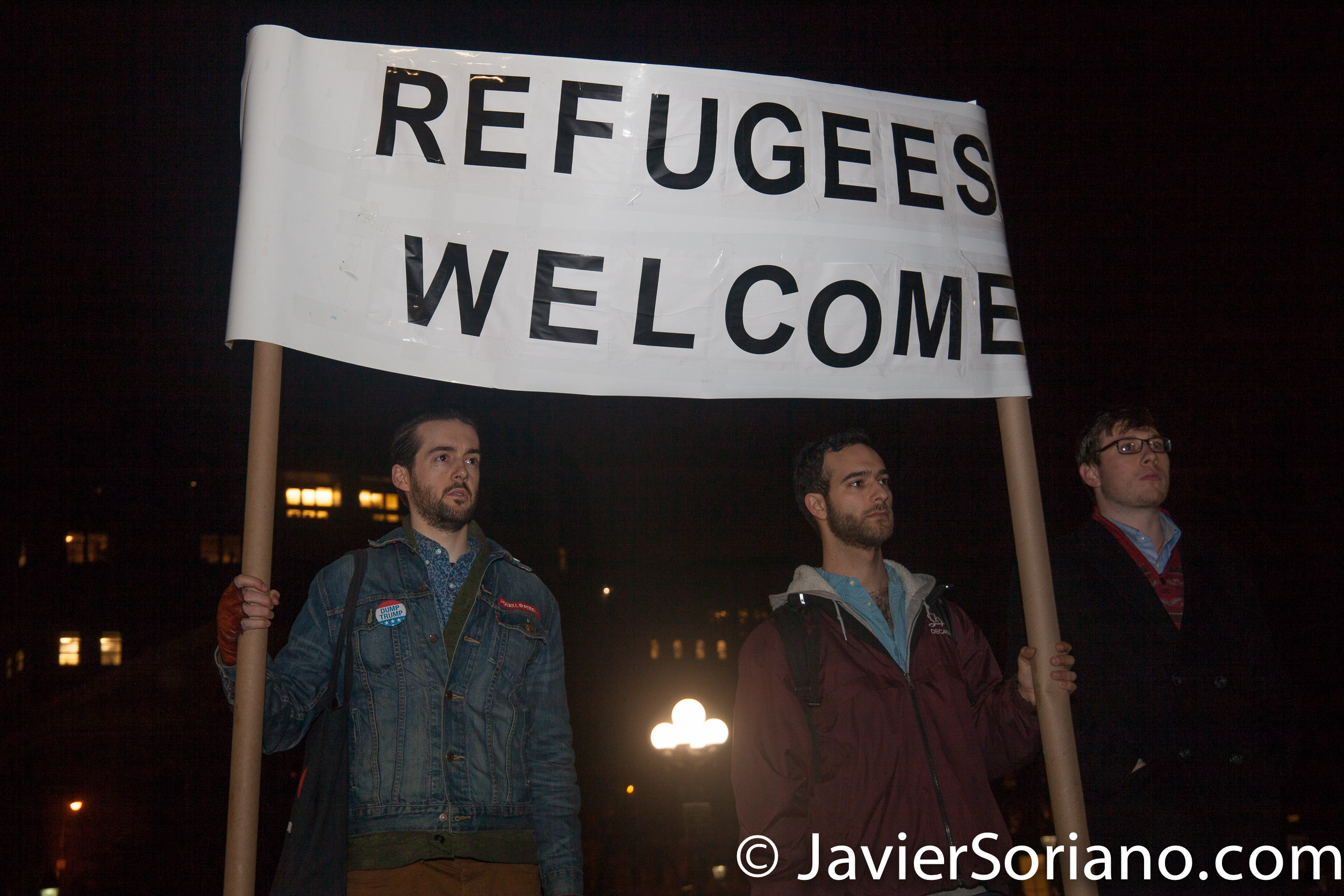 1/25/2017 Washington Square Park, NYC - New Yorkers support Muslims, Immigrants, Refugees. Photo by Javier Soriano/www.JavierSoriano.com