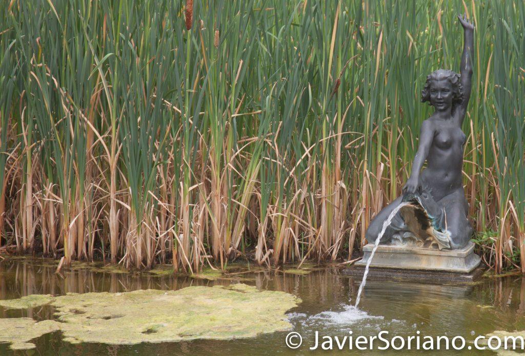 25/7/2017 Nueva York – Escultura de desnudo femenino en el Jardín Botánico de Brooklyn. Foto por Javier Soriano/www.JavierSoriano.com