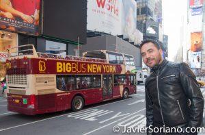 I love New York City! Are you traveling to NYC? Are you having your wedding in NYC? I can be your photographer or videographer. ¡Me encanta la Ciudad de Nueva York! ¿Vas a viajar a Nueva York? ¿Vas a tener tu boda en Nueva York? Puedo ser tu fotógrafo o videografo. Photo by Javier Soriano/www.JavierSoriano.com