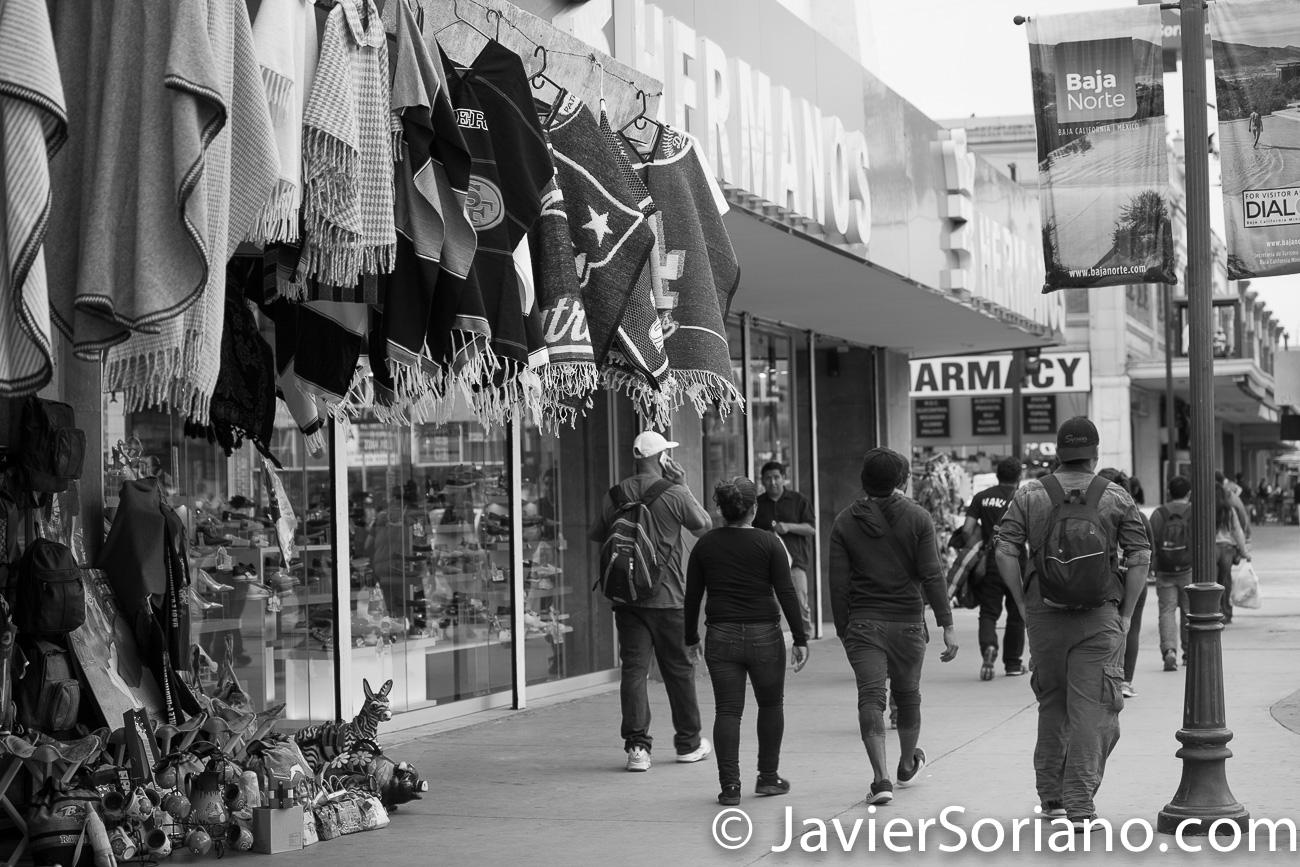 THIS PHOTO: Refugees from Central America in Tijuana, Mexico. December/2018. ESTA FOTO: Refugiadas y refugiados de Centroamérica en Tijuana, México. Diciembre/2018. Photo by Javier Soriano/JavierSoriano.com