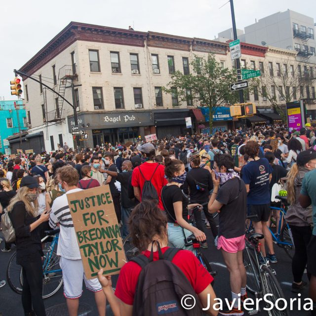 Thursday, June 11, 2020. Brooklyn, New York City - Protestors demand justice for Breonna Taylor. They also want NYC Mayor Bill de Blasio to defund the NYPD. People gathered in Crown Heights and marched to Barclays Center. Photo by Javier Soriano/www.JavierSoriano.com