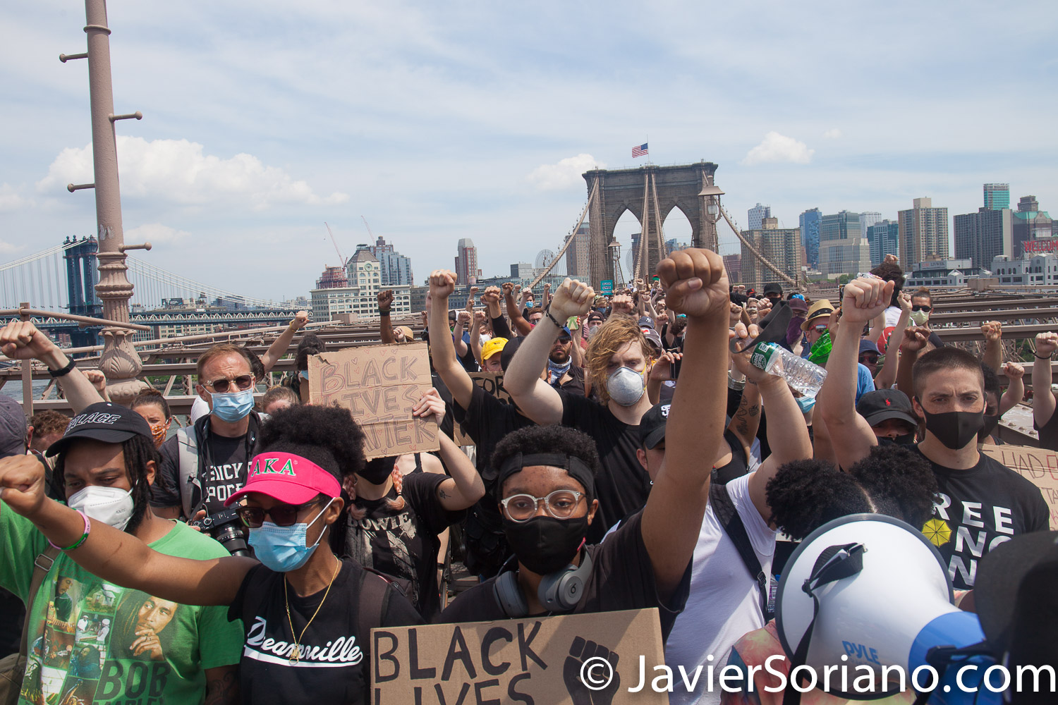 Saturday, June 6, 2020. Brooklyn, New York City – Thousands of New Yorkers marched from Grand Army Plaza in Brooklyn to City Hall, Washington Square Park, Foley Square and other places in Manhattan to tell NYC Mayor Bill de Blasio: DEFUND THE NYPD! Photo by Javier Soriano/www.JavierSoriano.com