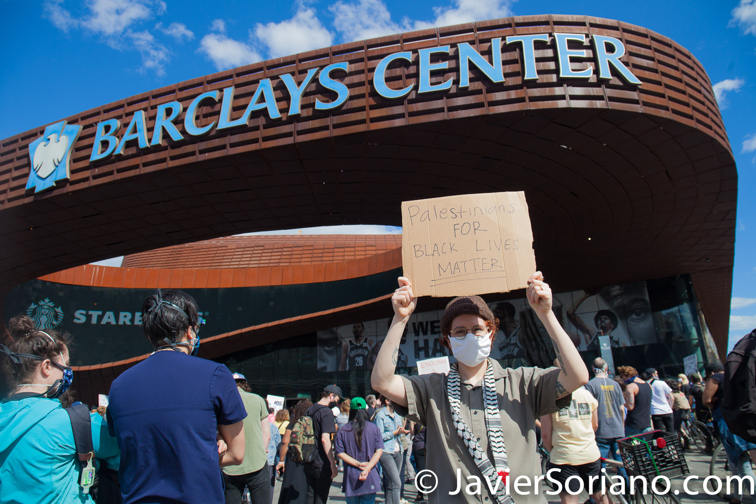 """Sunday, May 31, 2020. New York City -  Rally at Barclays Center, Brooklyn to demand justice for George Floyd, to support Black Lives Matter and to demand police accountability.   The sign says, """"Palestinians for Black Lives Matter"""".  Photo by Javier Soriano/www.JavierSoriano.com"""